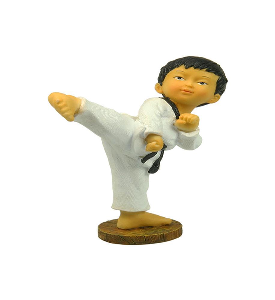 arti-marziali-coreane-taekwondo-calcio-laterale-karate-figure-gadget